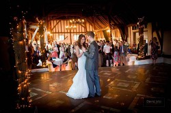 wedding-photographer-essex-smeetham hall barn