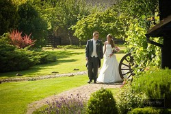 wedding-photographer-essex-crabbs barn