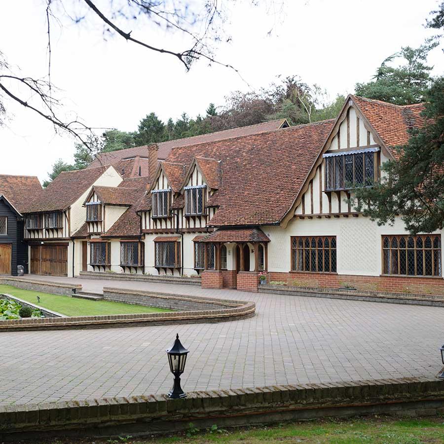 Great Hallingbury Manor wedding photographer