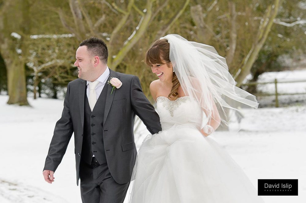 Fennes snow wedding
